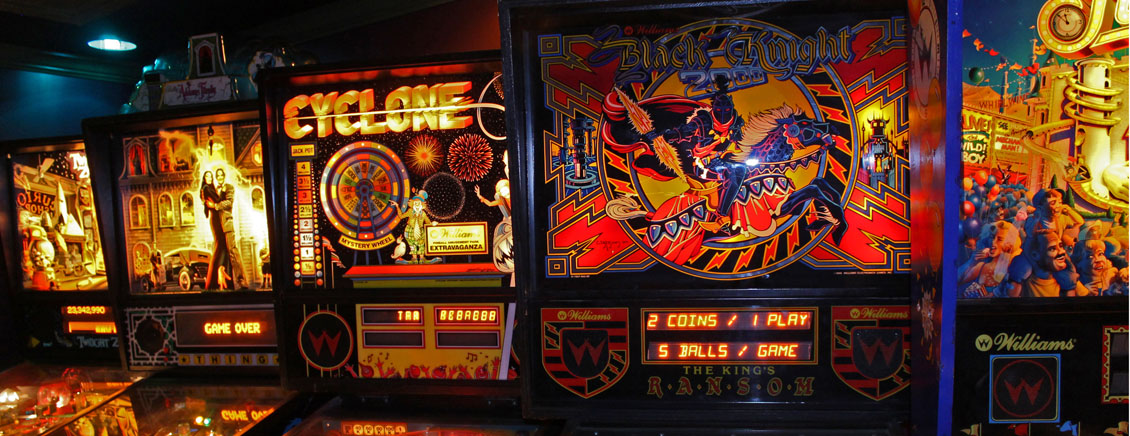Pinball Machines Addams Family, Cyclone, Black Knight, Fun House